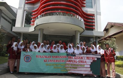 Dean Welcomes The Students of SMAN 1 Metro
